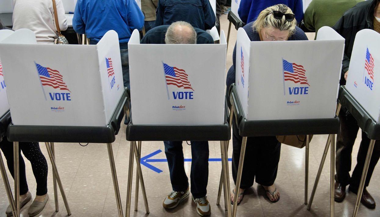 Трамп хочет подписать указ о изучении фальсификаций навыборах