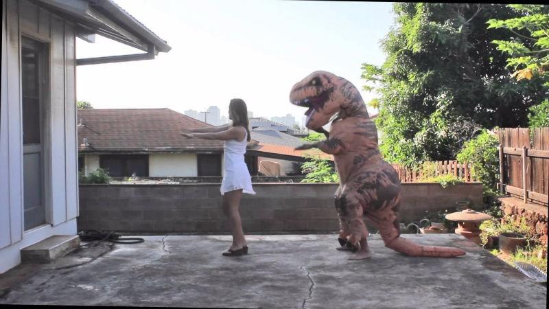 ВСША невеста вкостюме тираннозавра удивила жениха
