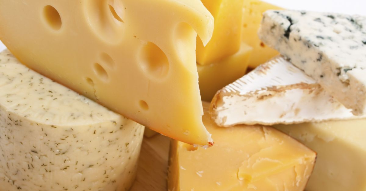 Упетербургских туристов изъяли 117 килограммов сыра имасла изФинляндии