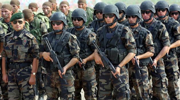 Около 40 турецких военных набазах НАТО попросили укрытия вГермании