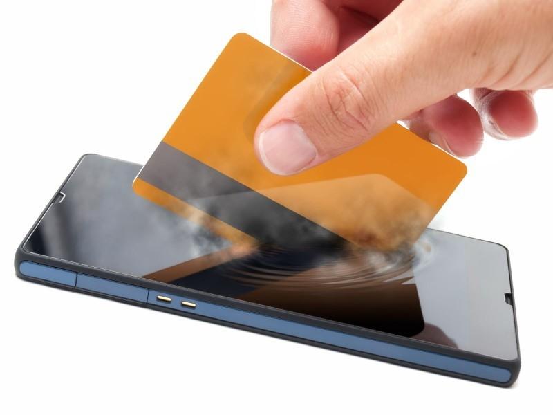 Неменее 50% собственников телефонов не растрачивают деньги наприложения