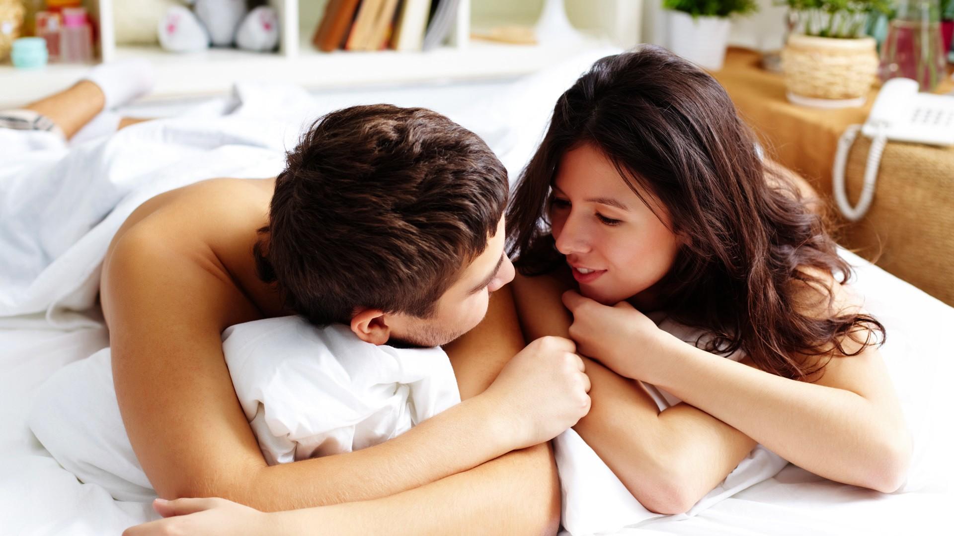 Ученые советуют перед сном делиться спартнером неплохими вестями