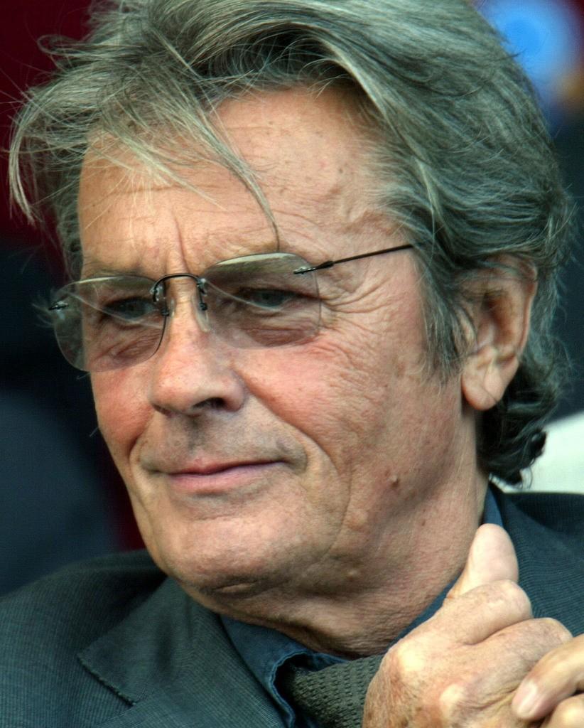 Ален Делон отказался отдолжности президента премии «Сезар»