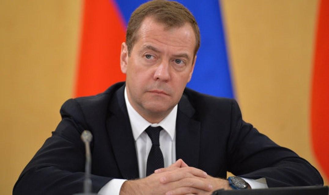 Медведев: Стипендиальный фонд будет проиндексирован с1сентября