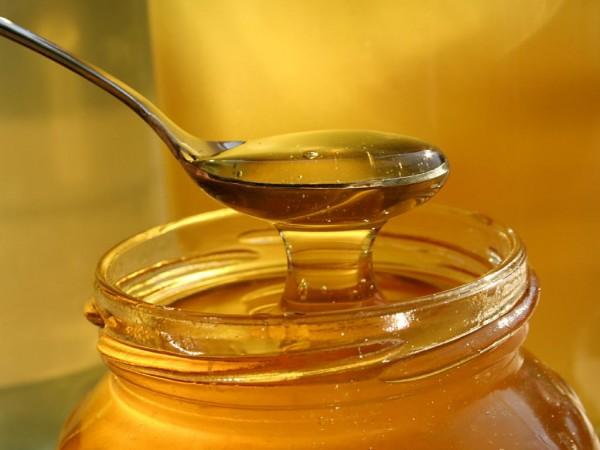 Злоупотребление мёдом и фруктами с высоким содержанием витамина С может принести вред печени