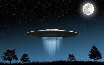 Уфолог РФ: Обама рассказал о НЛО для выполнения обещаний Клинтон