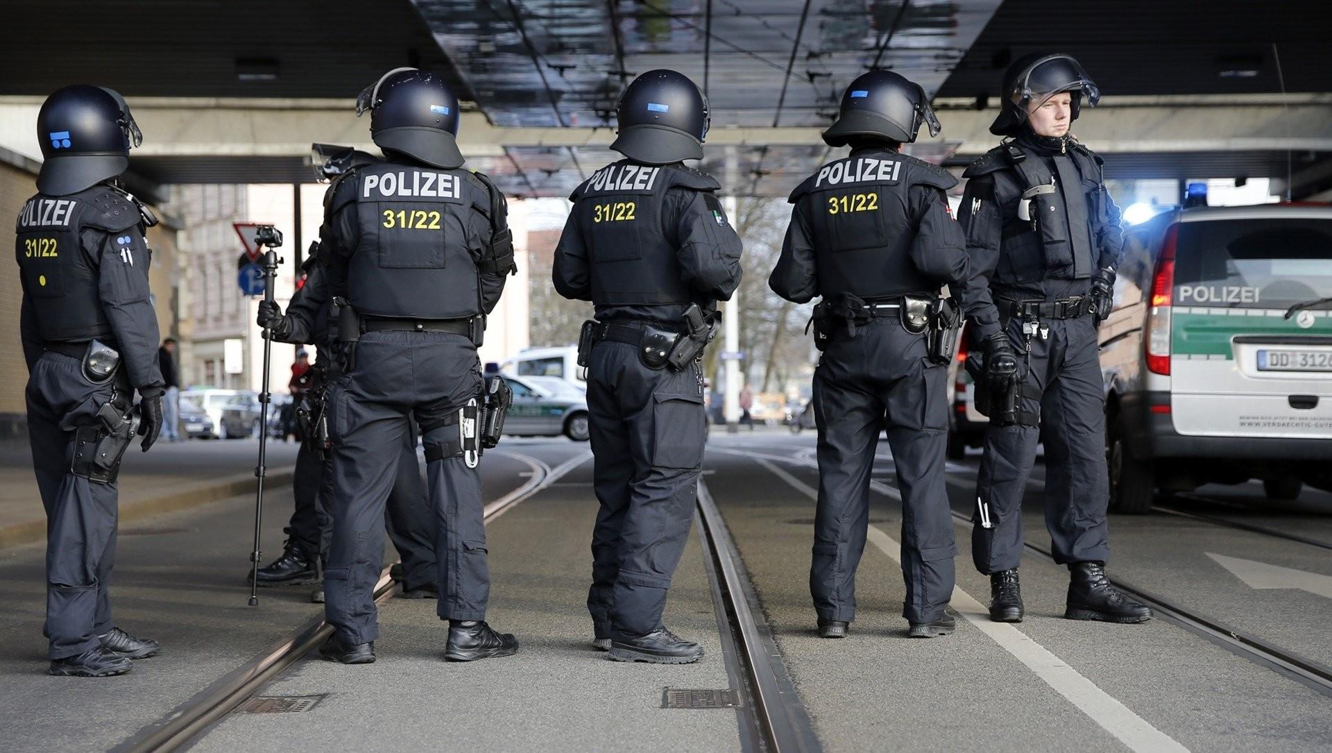 Три предполагаемых исламиста, имеющих связи сИГ, задержаны вБерлине