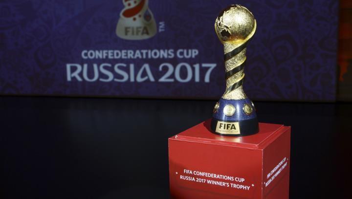 Главный тренер сборной Чили пофутболу ассоциирует Российскую Федерацию сКарпиным