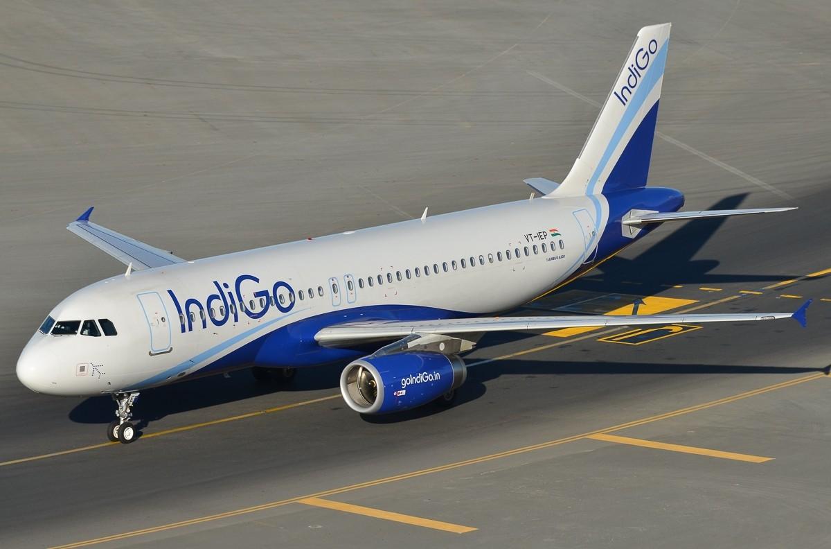 Два пассажирских самолета чуть нестолкнулись при взлете