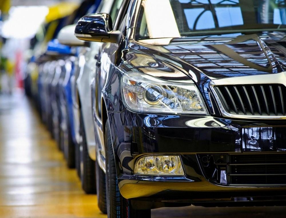 Продажи новых легковых авто вгосударстве Украина увеличились наполовину