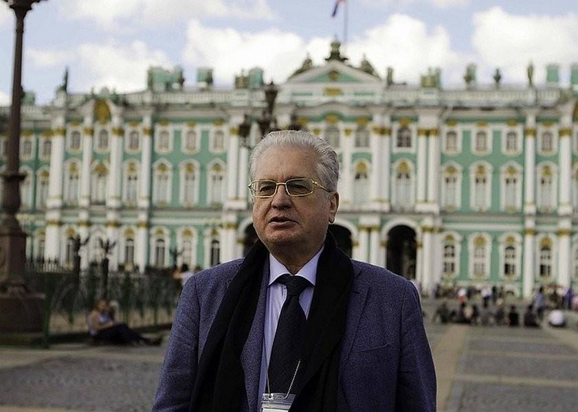 Пиотровский назвал причину появления ФСБ встенах Эрмитажа