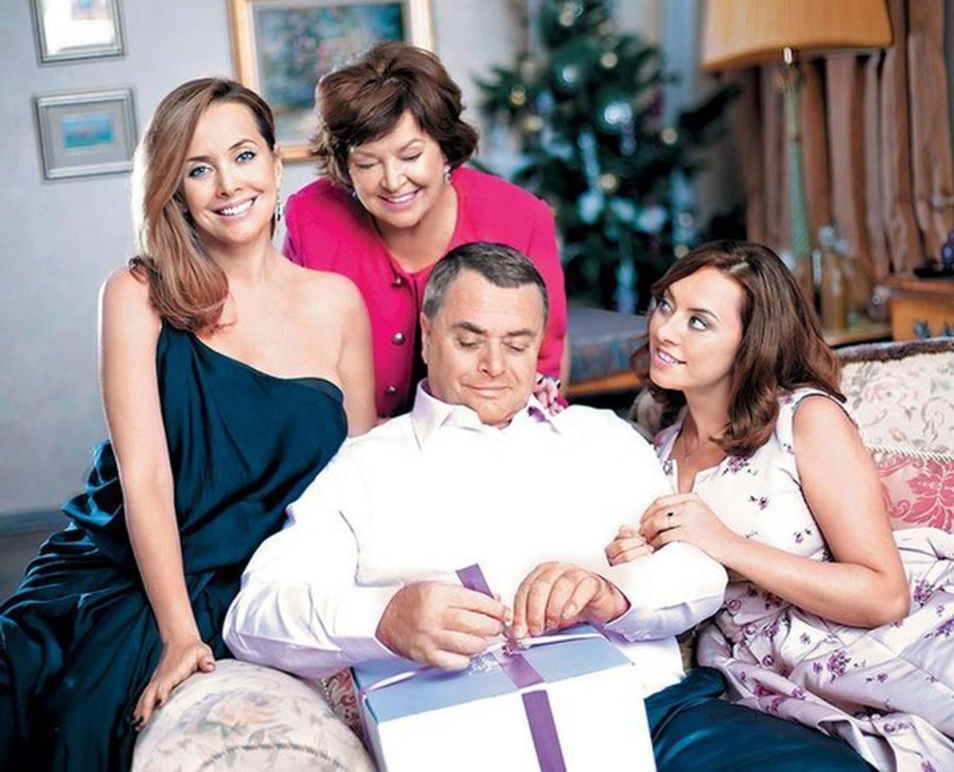 Родители исын Жанны Фриске стали ответчиками поиску «Русфонда»