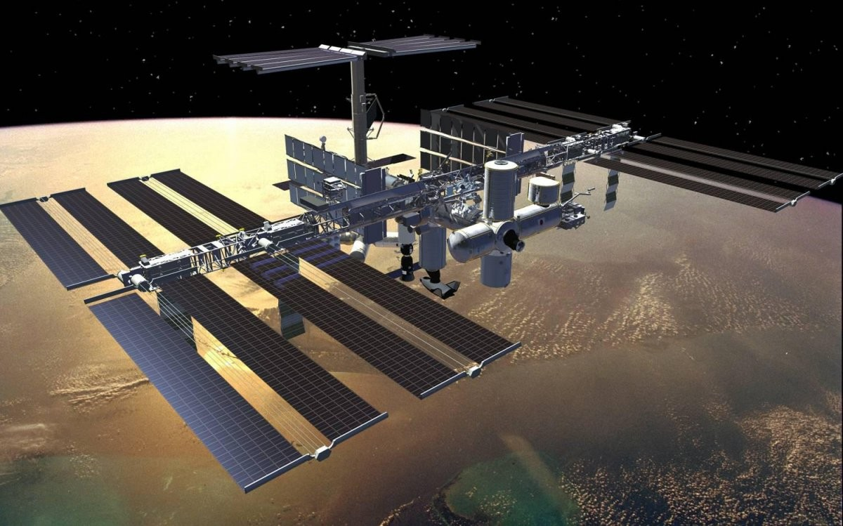 ВПетербурге над горизонтом можно будет увидеть МКС