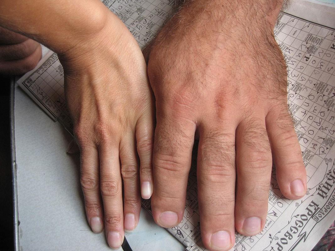 Длина пальцев человека связана сего заработками — Ученые