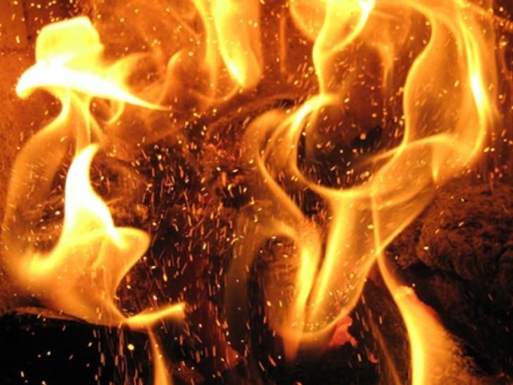 Склад горюче-смазочных материалов полыхает вКиеве