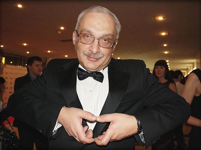 Знаток Александр Друзь снялся всериале «Мамочки»