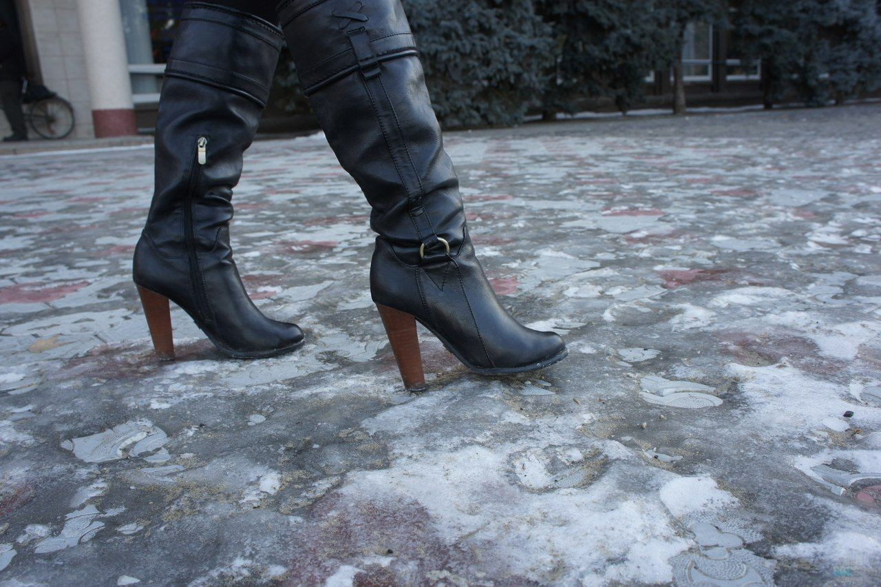 Неменее 20 человек попали в клиники из-за сильных морозов в столице России