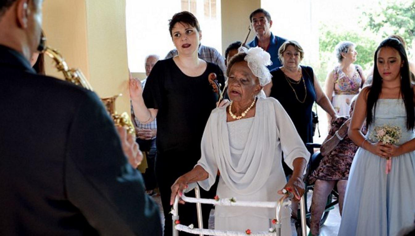 Самая старая невеста вмире вышла замуж вБразилии