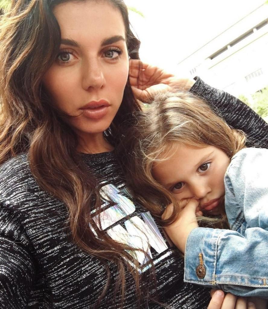 Анна седакова и дети фото