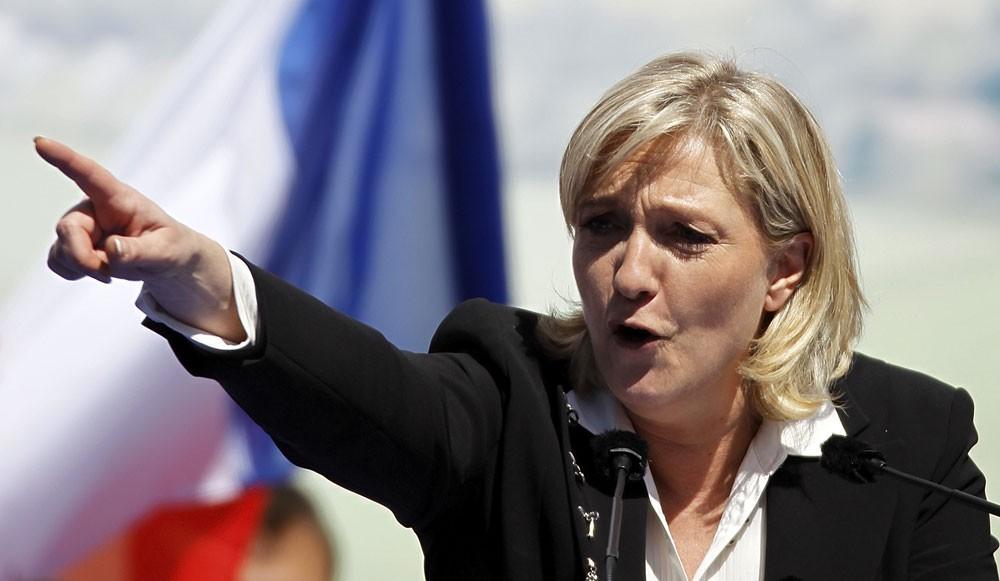 Марин Ле Пен Причастные к терроризму должны лишаться гражданства Франции