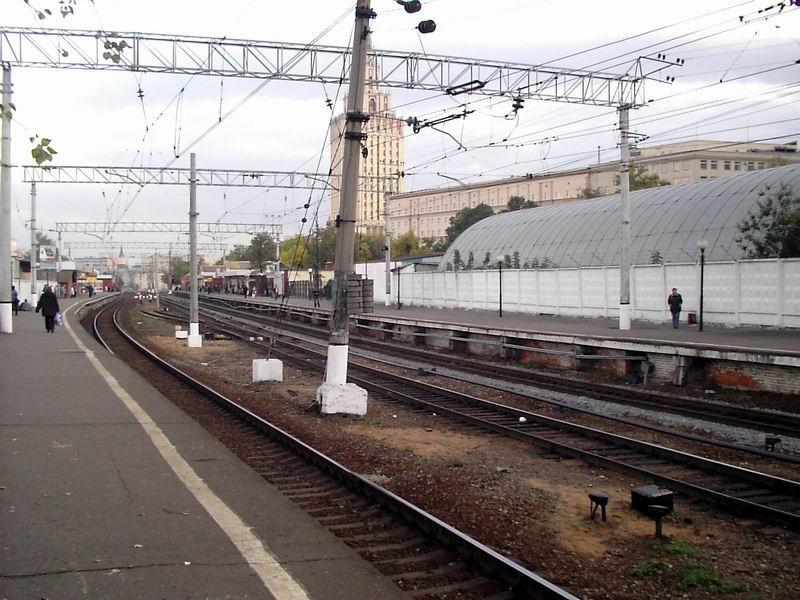 В столицеРФ поезд насмерть сбил 2-х престарелых людей