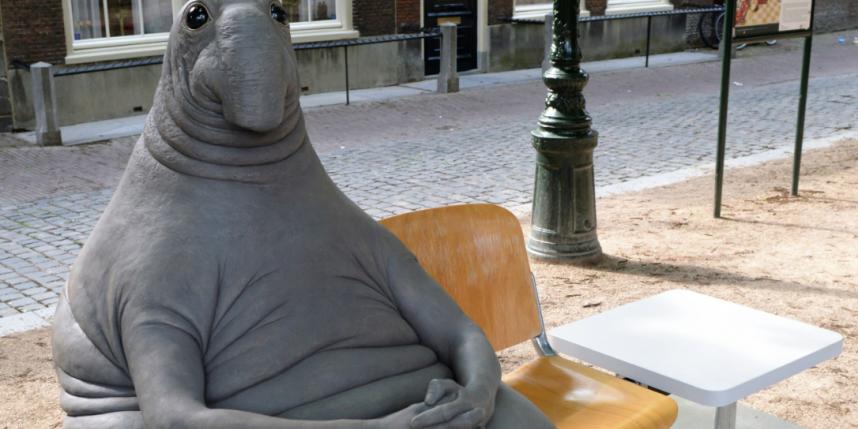 Власти Днепра посоветовали голландской художнице поставить вгороде Ждуна