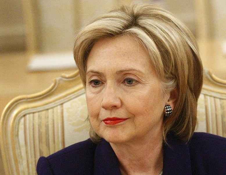 Клинтон «передала привет» победившему ееТрампу— Будущее за дамами