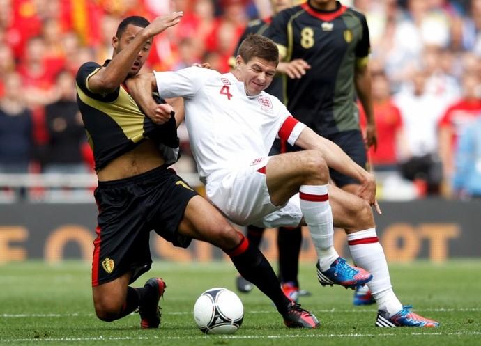 Тест нанаркотики оказался положительным у13 английских футболистов