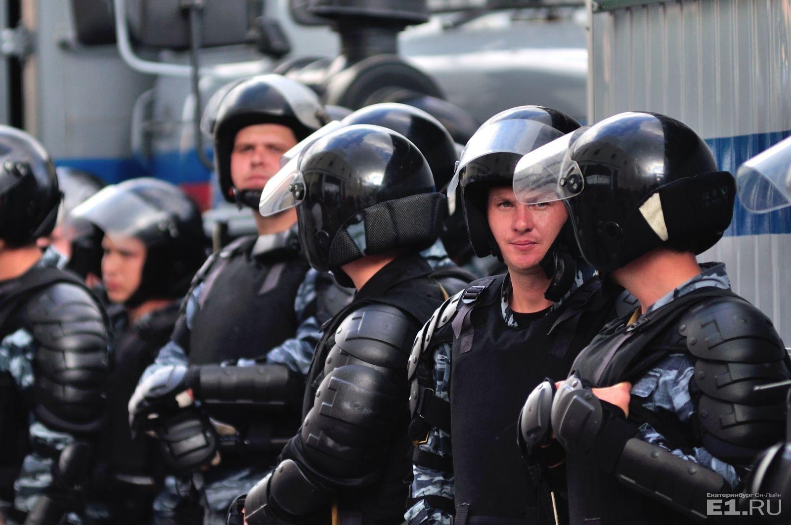 Схвачен шофёр, пытавшийся сбить солдата Росгвардии вПодмосковье