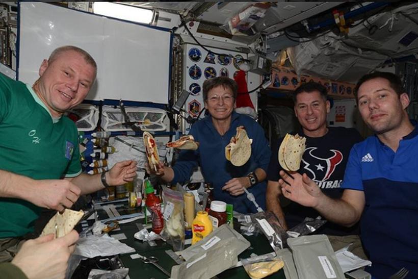 Русский космонавт сделал фото строящегося Крымского моста сМКС