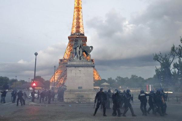 ВоФранции нестихают беспорядки после избиения мигранта полицией