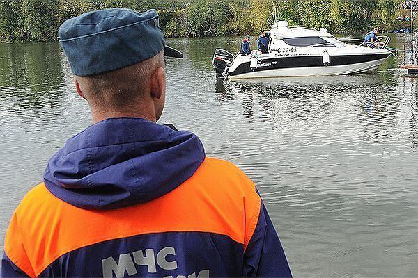 Поиски наместе крушения вертолета наАлтае возобновятся утром