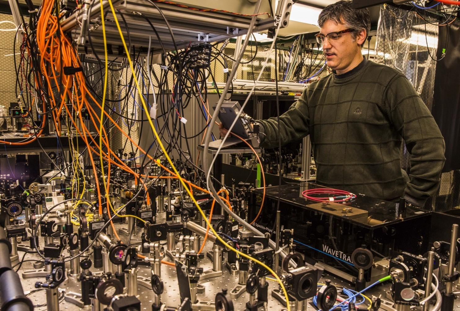 Русские профессионалы взялись засоздание квантового компьютера
