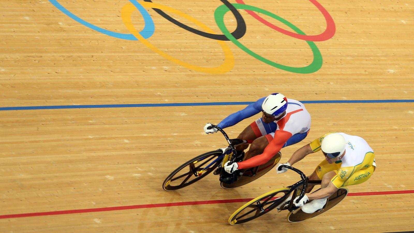 Австралийский велогонщик Шейн Перкинс проинформировал осмене гражданства нароссийское