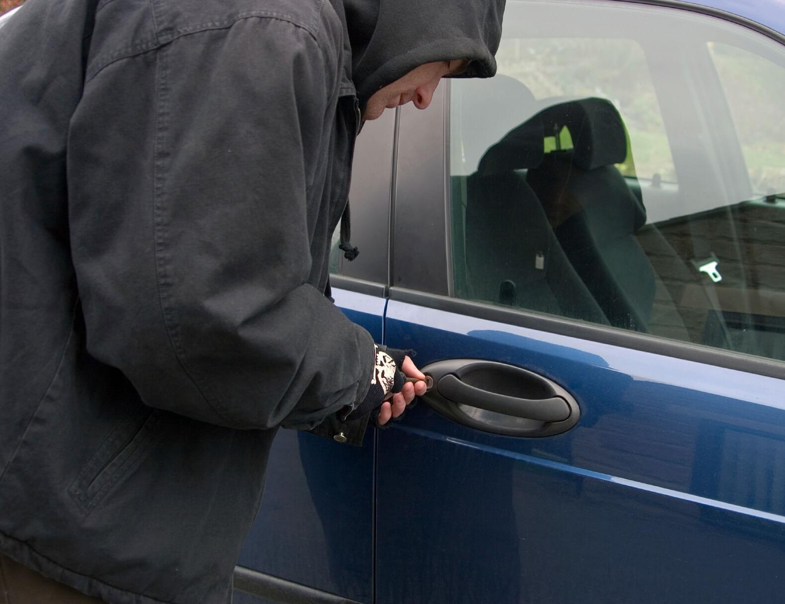 НаЯмале местный гражданин угнал 5 авто засутки