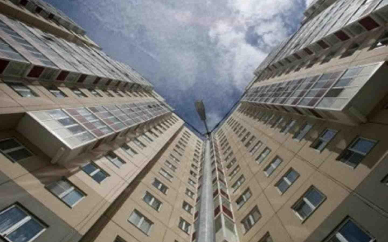 ВРостове умер спускавшийся с8-го этажа попростыням мужчина