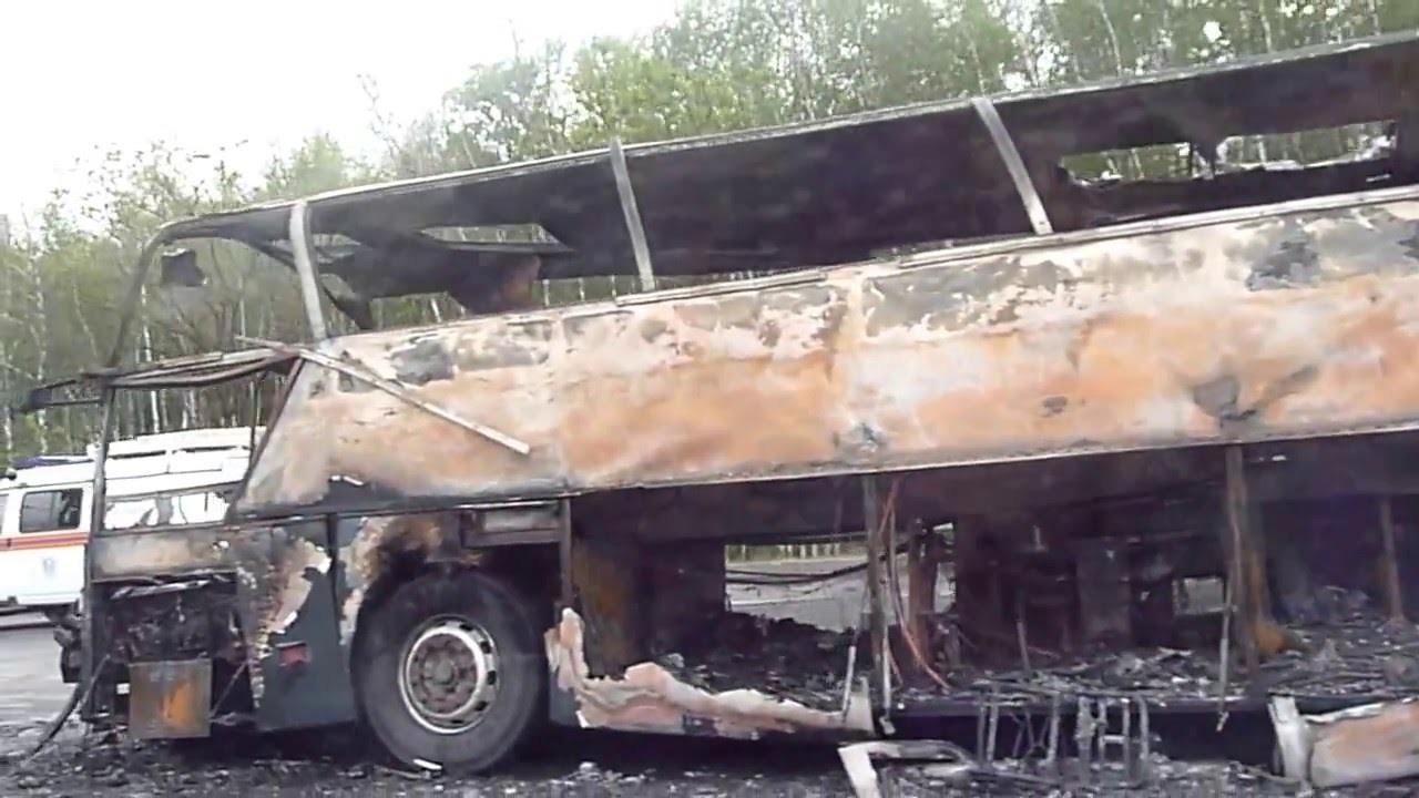 Рейсовый автобус сгорел вДагестане