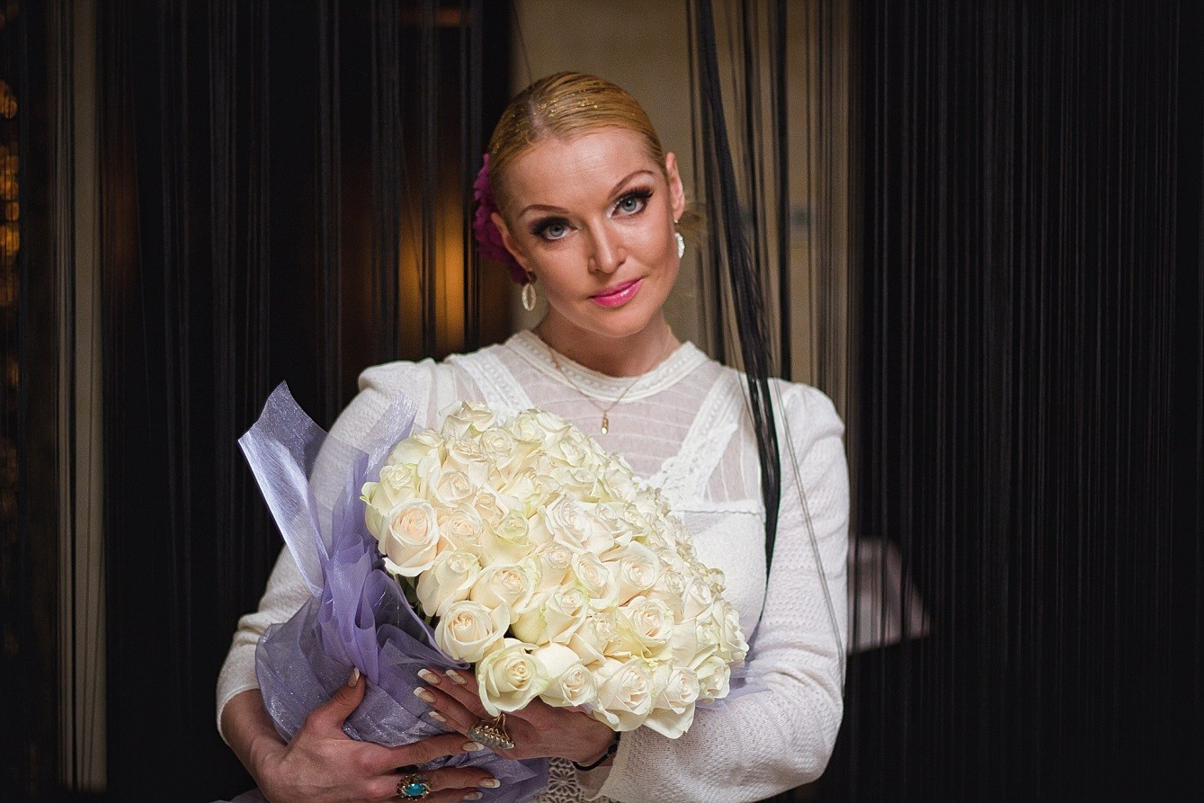Анастасия Волочкова иРома Жуков записали общую песню