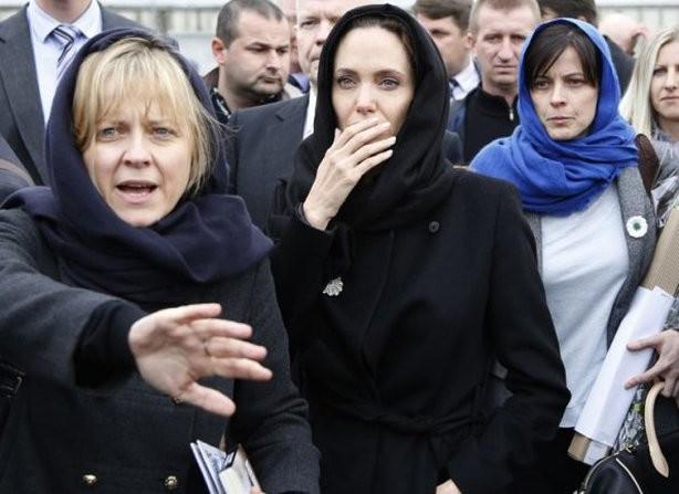 Джоли иРоналду хотят сыграть втурецком телесериале обеженцах изСирии