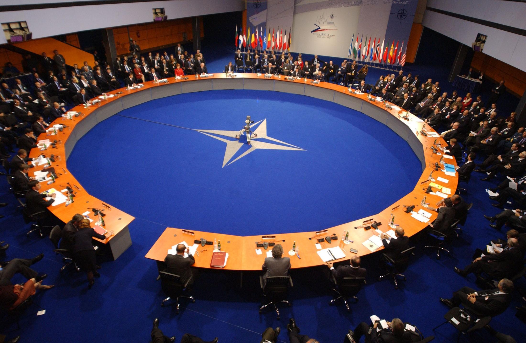 Министр обороны США: Трамп навсе 100% поддерживает НАТО 17февраля 2017 18:13