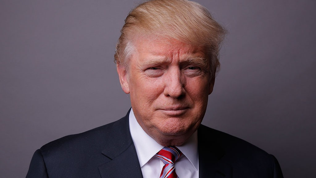Неизвестные воФлориде атаковали кортеж Трампа