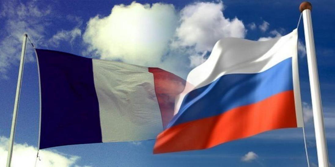 Руководитель МИД Франции обвинил Российскую Федерацию вкибератаках наМакрона