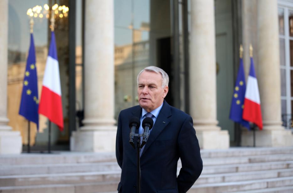 Руководитель МИД Франции попросил РФ иСША поддержать EC