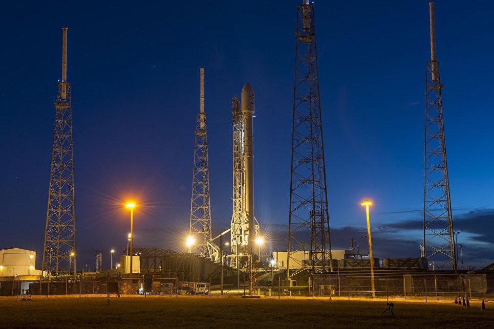 Первая ступень ракеты Falcon 9 приземлилась после запуска— SpaceX