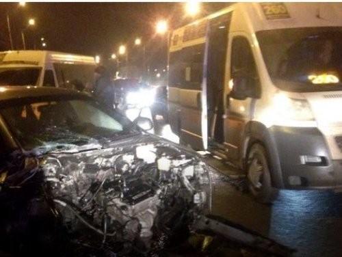 Авария смаршруткой вСоветском районе Волгограда: большое количество пострадавших