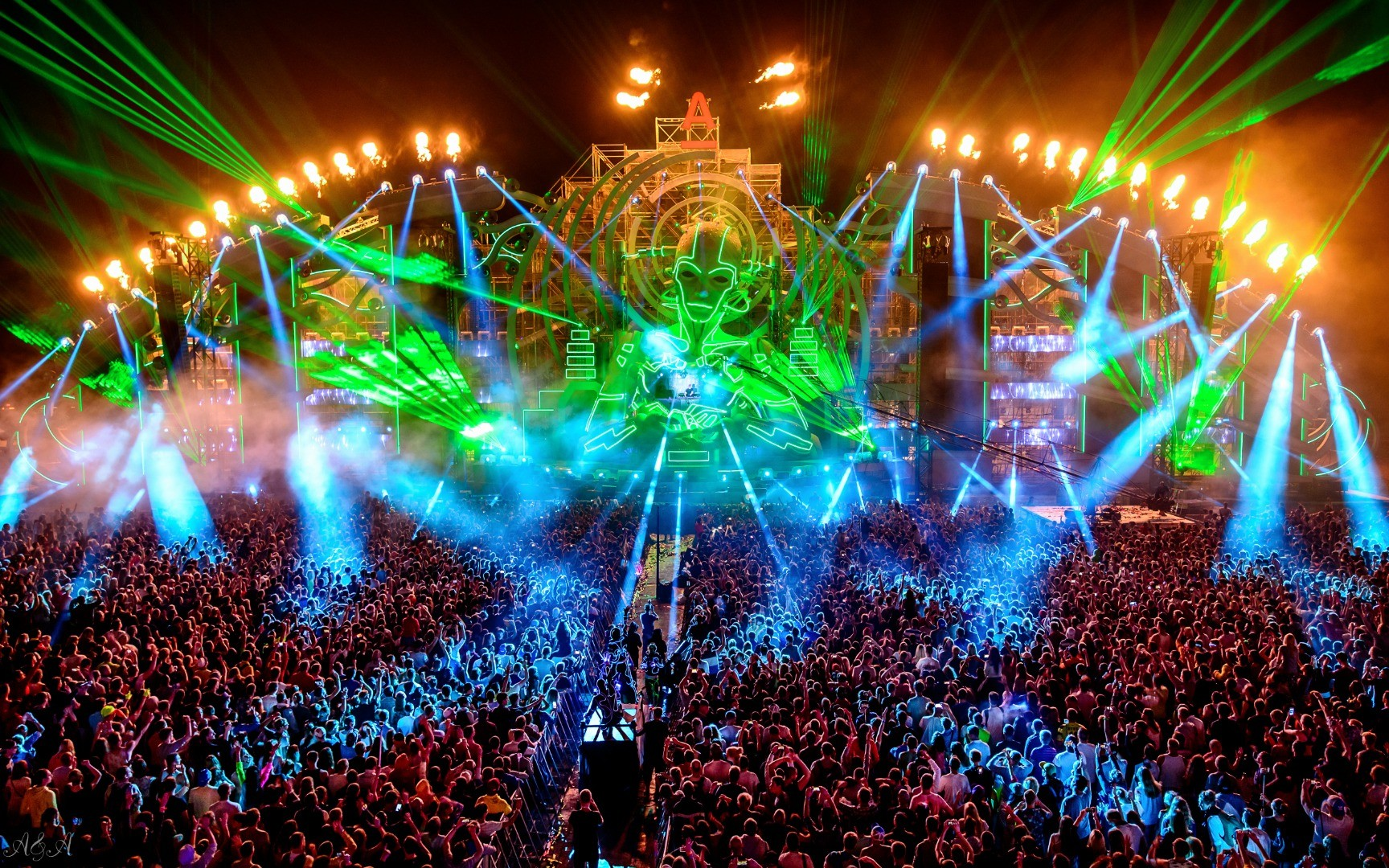 Палитра чувств: гости фестиваля вМельбурне наелись наркотиков