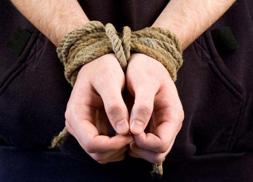 Милиция столицы: Душевнобольной мужчина небрал взаложники семью