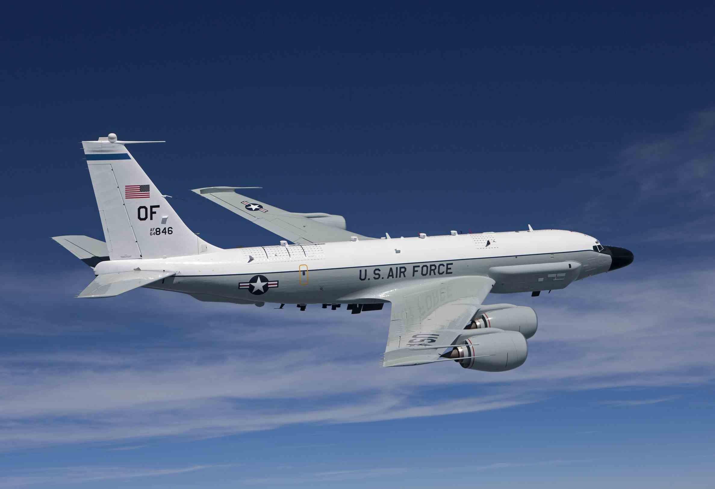 Самолет-разведчик США прибыл вЕвропу для проверки данных овсплеске радиации