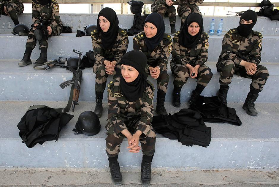 ВТурции разрешили носить хиджаб вместе своенной формой