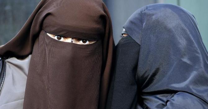 Бавария запретила ношение исламской бурки в социальных местах